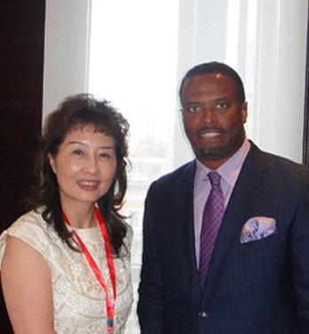2014年08月26日 公司创办人与尼维斯总统Mr.Hon.Mark A.G. Brantley亲切交流